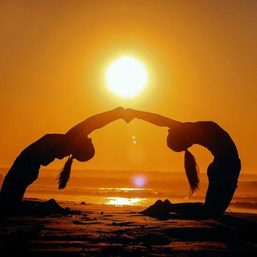 equipo-yoga-casa-ceiba1-min
